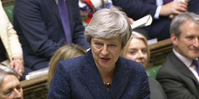 Storbritanniens premiärminister Theresa May har beklagat att EU-valet måste genomföras.  TT