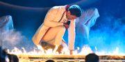 """Jon Henrik Fjällgren uppträder med bidraget """"Norrsken"""". Foto: Claudio Bresciani / TT / TT NYHETSBYRÅN"""