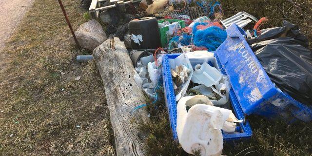Ihopsamlad plast efter städning av Bohsuläns stränder.  Cilla Eklund/Ren Kust / TT NYHETSBYRÅN
