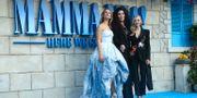 Lily James, Cher och Amanda Seyfried. Joel C Ryan / TT NYHETSBYRÅN/ NTB Scanpix