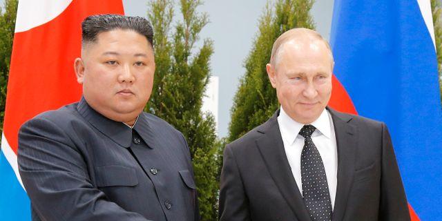 Nordkoreas ledare Kim Jong-Un och Rysslands president Vladimir Putin. POOL New / TT NYHETSBYRÅN