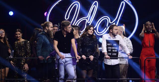 Arkivbild: Chris Kläfford tillsammans med övriga idoldeltagare under finalen i TV4:s program Idol. Hossein Salmanzadeh/TT / TT NYHETSBYRÅN