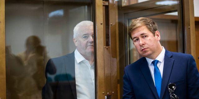 Frode Berg till vänster och hans ryska advokat Ilja Novikov. Berit Roald / TT NYHETSBYRÅN