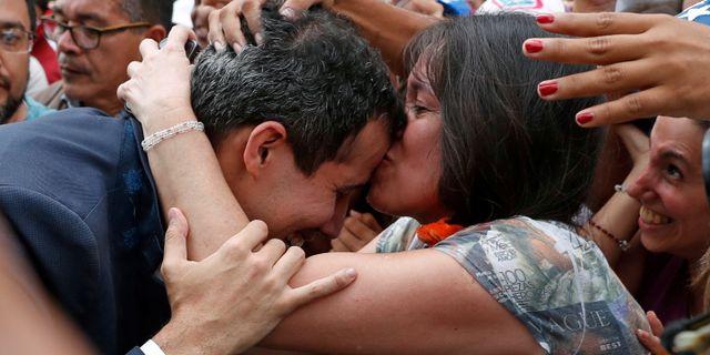 Guaidó vid dagens demonstration. CARLOS GARCIA RAWLINS / TT NYHETSBYRÅN