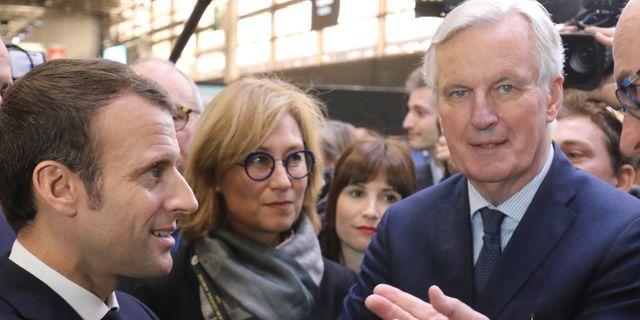 Franske presidenten Emmanuel Macron till vänster och brexitförhandlaren Michel Barnier till höger. Ludovic Marin / TT NYHETSBYRÅN/ NTB Scanpix