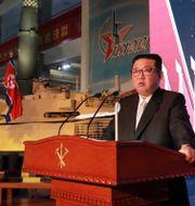 Kom Jong-Un talar på utställningen. TT NYHETSBYRÅN