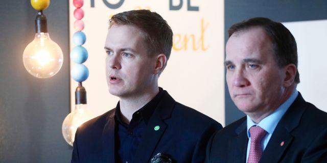 Gustav Fridolin (MP) och Stefan Löfven (S). Jeppe Gustafsson/TT / TT NYHETSBYRÅN