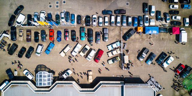 Köpenhamns flygplatsparkering är 28 procent än billigare än i Stockholm. Pexels