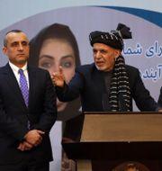 Amrullah Saleh längst till vänster. Rahmat Gul / TT NYHETSBYRÅN