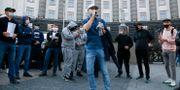 Företagare i protest vid parlamentsbyggnaden i Kiev.  Efrem Lukatsky / TT NYHETSBYRÅN