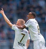 Sebastian Larsson jublar efter sitt mål. JESPER ZERMAN / BILDBYRÅN