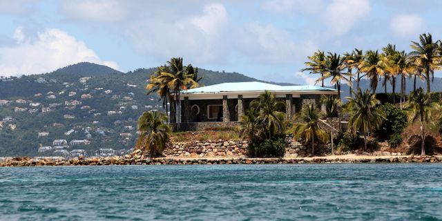 Jeffrey Epsteins villa på hans privata ö.  Gabriel Lopez Albarran / TT NYHETSBYRÅN/ NTB Scanpix