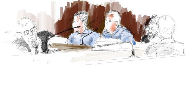 De åtalade poliserna under rättegången gällande dödsskjutningen av Eric Torell, i Stockholms tingsrätt. Ingela Landström/TT / TT NYHETSBYRÅN