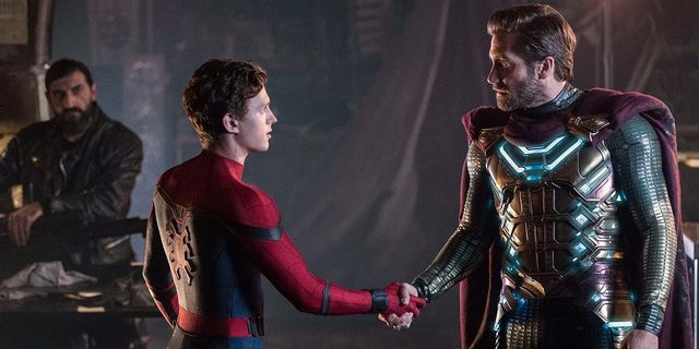 "Tom Holland som Spider-Man och Jake Gyllenhaal som Magneto i ""Spider-Man: Far from home"". Press"