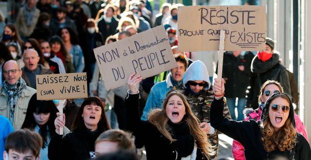 Protest i Bayonne.  Bob Edme / TT NYHETSBYRÅN