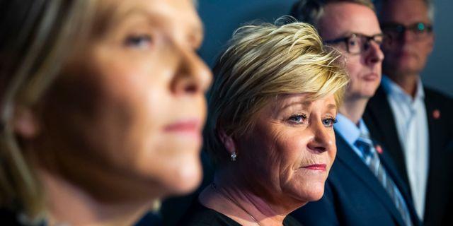 Siv Jensen (tvåa från vänster). Fredrik Varfjell / TT NYHETSBYRÅN