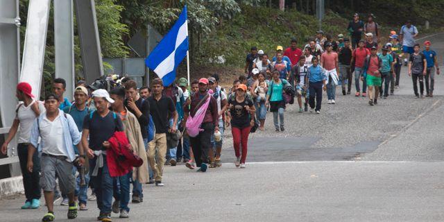 Flyktingar från Honduras i staden Chiquimula i Guatemala. Moises Castillo / TT NYHETSBYRÅN/ NTB Scanpix