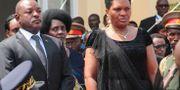 Burundis president Pierre Nkurunziza och hans fru Denise Nkurunziza. EVRARD NGENDAKUMANA / TT NYHETSBYRÅN
