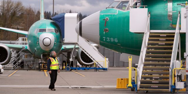 Arkivbild: Boeing 737 Max 8-plan parkerade vid fabriken i Washington under flygförbudet.  Elaine Thompson / TT NYHETSBYRÅN