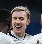 Emil Forsberg och hans lagkamrater i RB leipzig jublar under åttondelsfinalen mot Tottenham / PSG:s Neymar och Kylian Mbappé jublar under kvartsfinalen mot Atalanta. TT