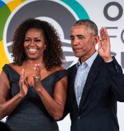 Michelle och Barack Obama/Arkivbild. Ashlee Rezin Garcia / TT NYHETSBYRÅN