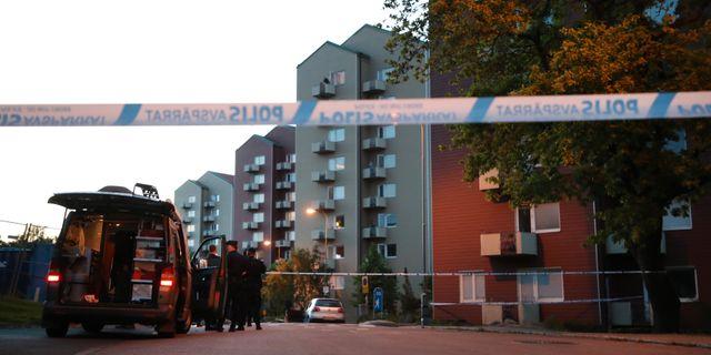 Polisens tekniker efter mordet.  Adam Ihse/TT / TT NYHETSBYRÅN