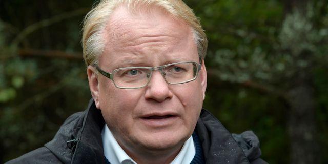Hjelm wallen ny forsvarsminister