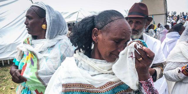 En etiopisk kvinna som mött sina släktingar i samband med arr gränsen öppnades 11 september. STRINGER / AFP