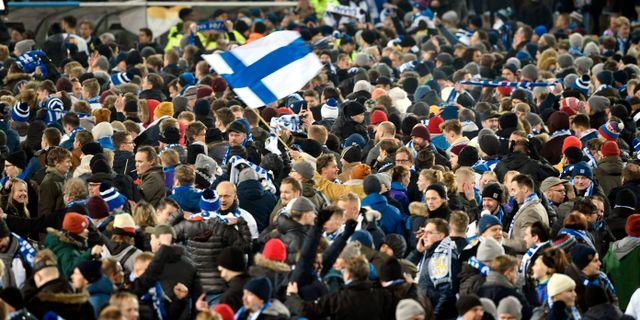 Finska supportrar jublar. Martti Kainulainen / TT NYHETSBYRÅN