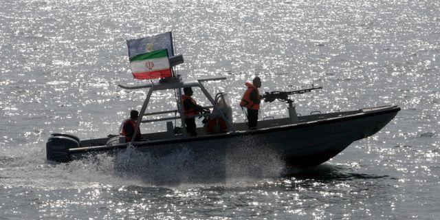 En båt från revolutionsgardet. Arkivbild.  Vahid Salemi / TT NYHETSBYRÅN