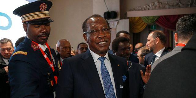 Arkivbild: Tchads president Idriss Deby (mitten) Fabio Frustaci / TT NYHETSBYRÅN