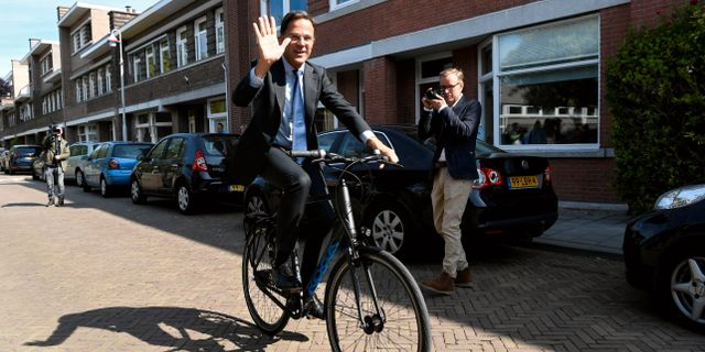 Mark Rutte efter att han har lagt sin röst i dag. PIROSCHKA VAN DE WOUW / TT NYHETSBYRÅN