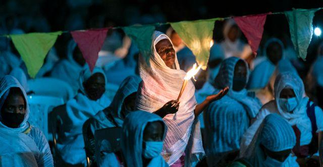 Människor ber i en katedral i huvudstaden Addis Abeba Mulugeta Ayene / TT NYHETSBYRÅN