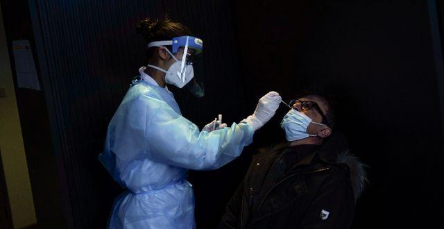 Sjukvårdspersonal i Frankrike. Francisco Seco / TT NYHETSBYRÅN