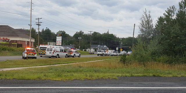 Räddningstjänst på väg mot  Fredericton i Kanada. SOCIAL MEDIA / TT NYHETSBYRÅN