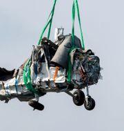 Bärgning av vrakdelar från flygplanet i den flygolycka i Umeå där nio personer omkom.  Patrick Trägårdh/TT / TT NYHETSBYRÅN