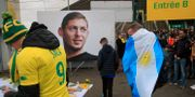 Fans sörjer Emiliano Sala. Michel Euler / TT