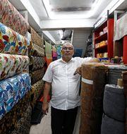MJM Faizal driver en butik i Kandy på Sri Lanka.  DINUKA LIYANAWATTE / TT NYHETSBYRÅN