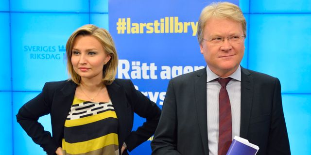 Partiledaren Ebba Busch Thor och Lars Adaktusson, numera KD:s andre vice ordförande.  HENRIK MONTGOMERY / TT / TT NYHETSBYRÅN