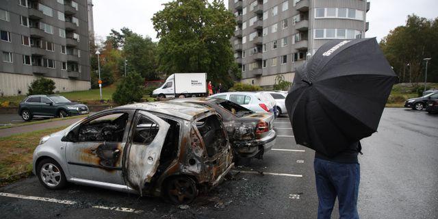 Arkivbild. Utbrunna bilar vid Frölunda torg, 14 augusti. Adam Ihse/TT / TT NYHETSBYRÅN