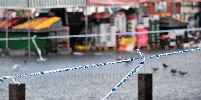 Polisavspärrningar vid Möllevångstorget i Malmö. Johan Nilsson/TT / TT NYHETSBYRÅN