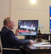 Vladimir Putin under ett möte den 30 september. Evgeniy Paulin / TT NYHETSBYRÅN