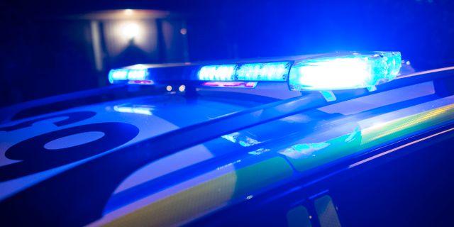 Upplopp i orebro molotovcocktail kastade mot poliser