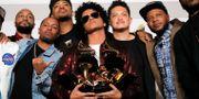 Mars (med Grammy), samt medarbetare. ANDREW KELLY / TT NYHETSBYRÅN
