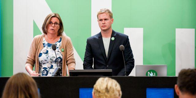 MP:s språkrör Isabella Lövin och Gustav Fridolin. Janerik Henriksson/TT / TT NYHETSBYRÅN