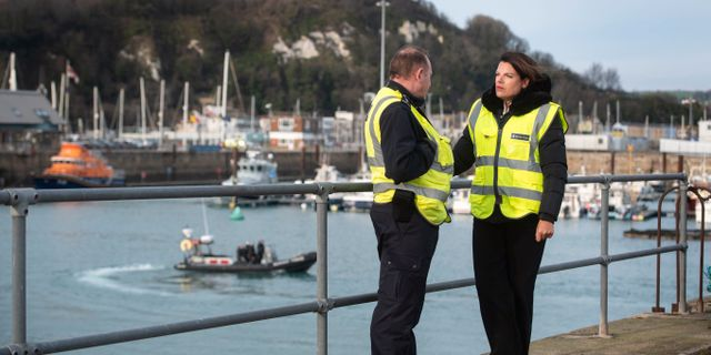 Storbritanniens migrationsminister Caroline Nokes på plats i Dover. Victoria Jones / TT NYHETSBYRÅN