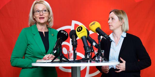Heléne Fritzon och Jytte Guteland, etta och trea på Socialdemokraternas EU-lista. Naina Helen Jåma/ TT / TT NYHETSBYRÅN