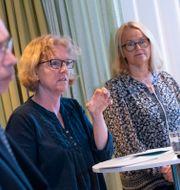 Alf Jönsson, regiondirektör, Eva Melander, smittskyddsläkare, Katarina Hartman, förvaltningschef Psykiatri och habilitering, och Pia Lundbom, hälso- och sjukvårdsdirektör Johan Nilsson/TT / TT NYHETSBYRÅN
