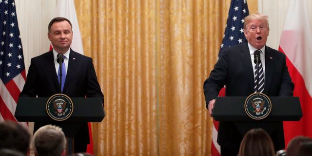 Duda och Trump på pressträffen idag. Alex Brandon / TT NYHETSBYRÅN/ NTB Scanpix