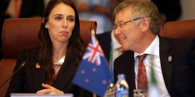 Nya Zeelands premiärminister Jacinda Ardern och handelsminister David Parker. NA SON NGUYEN / POOL